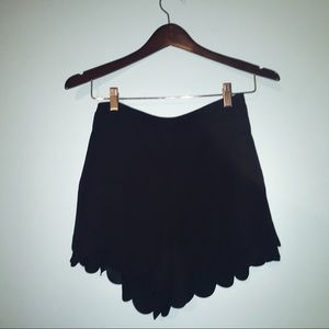 LC Lauren Conrad Black Scallop Hem Shorts