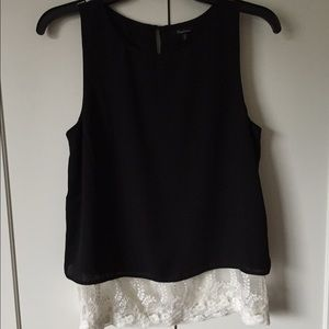 Monteau Tops - Black top with white lace details on the bottom