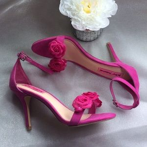 Betsey Johnson Shoes - Totally adorable pink Betsey Johnson flower heels