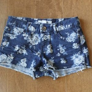 Floral printed denim shorts