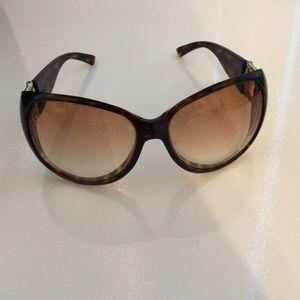 89% off Gucci Accessories - Gucci Sunglasses Tortoise and ...