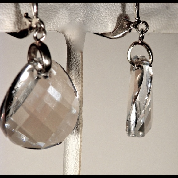 Crystals from Swarovski® *TWIST* Sterling Silver Earrings 18mm Silver Night