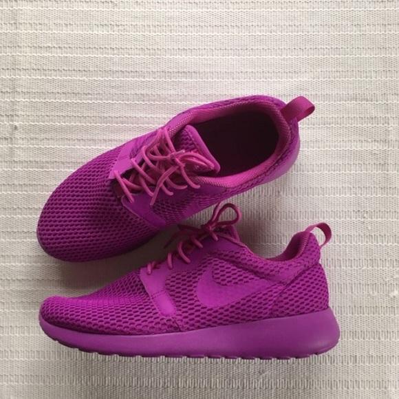 2d3cf696df9a Women s Nike Roshe One Hyper Breathe Style