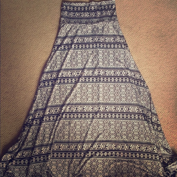5e1506fca709 Lularoe XS maxi skirt. M_577bdc47d14d7b121100446f