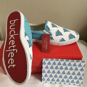 Bucketfeet Shoes - Milky diamonds low top canvas women's size 7