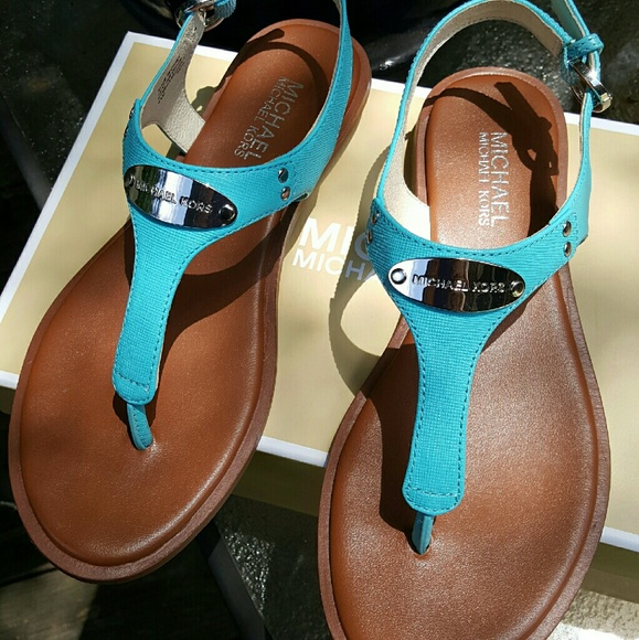 96939293ca9 Authentic Michael Kors MK plate thong sandals. M 577bed30b4188e305504b6a0