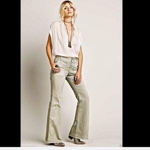 Free People taupy gray khaki  Flare Jeans 10