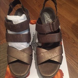 Donald J. Pliner Shoes - Donald Pliner Gretel-2 Wedge Bronze Cork