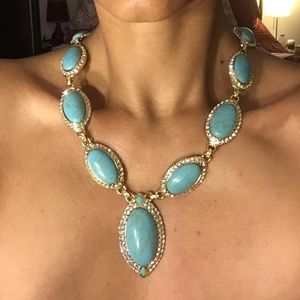 Statement necklace blue turquoise, a beauty