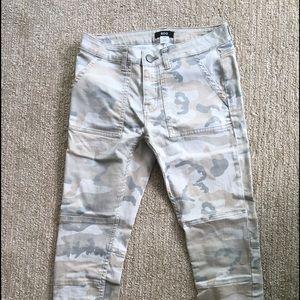 BDG size 27 Camo Crop jeans