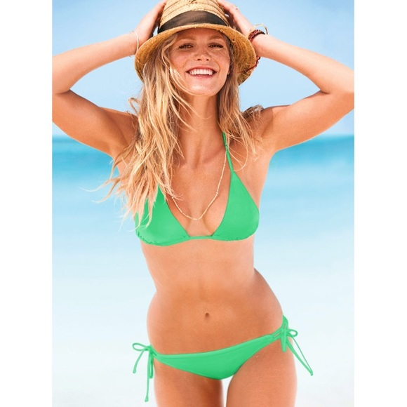 baddc6eda6 Victoria s Secret Green Triangle Bikini Top. M 577c4f713c6f9f21f60115f0