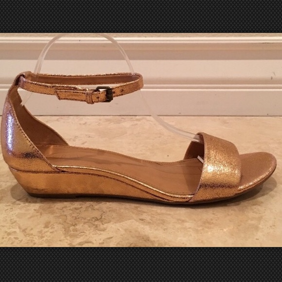 215ab2fc26c0 J. Crew Shoes - J CREW Rose Gold Ankle Strap Wedge Sandals 9.5M