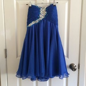 Alyce Paris Dresses & Skirts - Promgirl beautiful strapless prom dress!