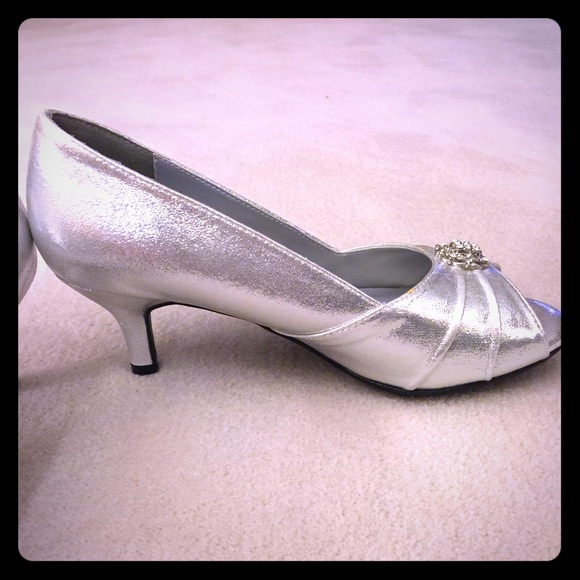 78 dyeables shoes silver shimmer wedding prom shoes