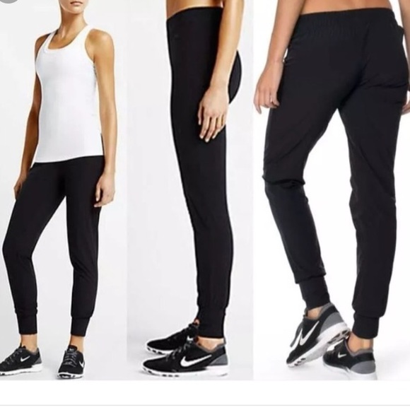 bd7e522bfca NwT🏷 Nike Women s Bliss Skinny Training Pants