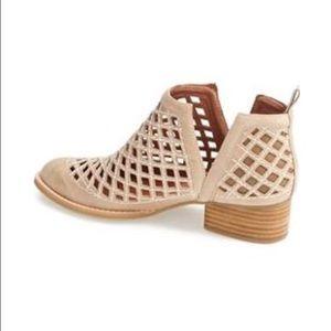 👟Jeffrey Campbell Booties 👟