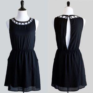 Very J Dresses & Skirts - 🎉HOST PICK🎉 (S,M,L) Black Caged LBD