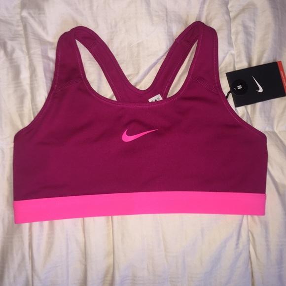b64cbd27b4 NWT Nike sports bra magenta w  hot pink check m