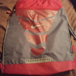 PRICE DROP NWOT Nike sports bag