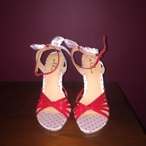 Ellie Shoes - NWOT Ellie Sandals