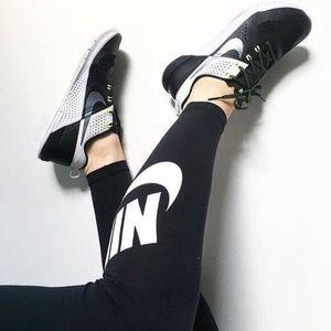 Nike Shoes - Nike Metcon 1 CrossFit Training Shoe ~ Size 9