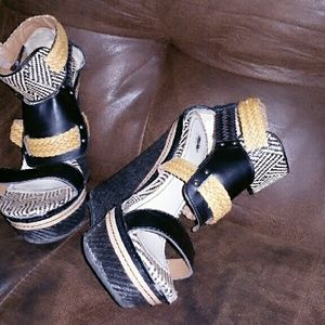 Shoes - Tribal wedges