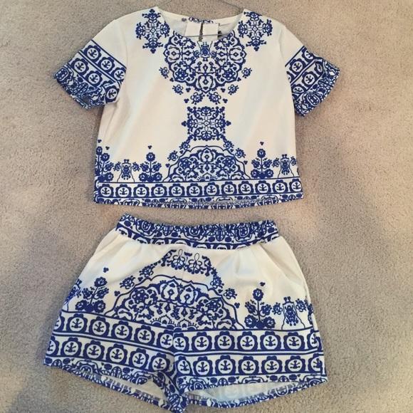 0643cf1399b199 ROMWE Dresses | Bluewhite Short Sleeve Floral Crop Top W Shorts ...