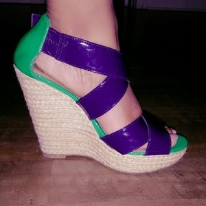 Shoes - Strapped wedges