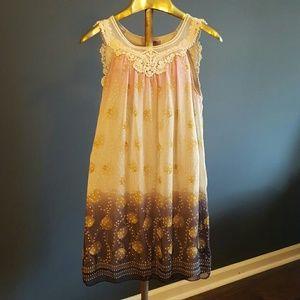 Dresses & Skirts - Sassy dress