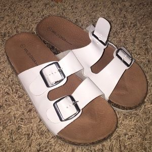 White sandals/slip ons. Size 7 in woman.