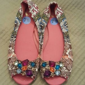 Shoes - Blingy shoes NWT!!