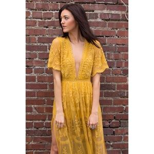 16ad53d93a6 Honey Punch Dresses - Chloe Embroidered Lace Maxi 💛
