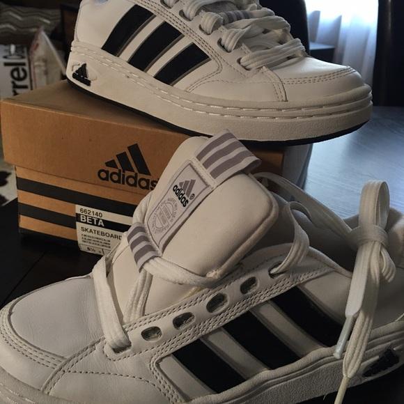 le adidas in scatola, ma il vecchio 3stripe scarpa poshmark