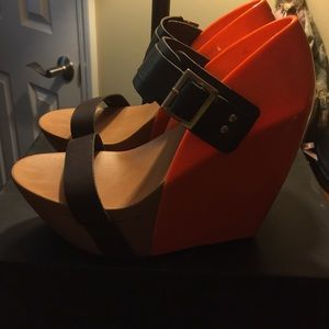 United Nude Shoes - Super high United Nude orange and brown wedges