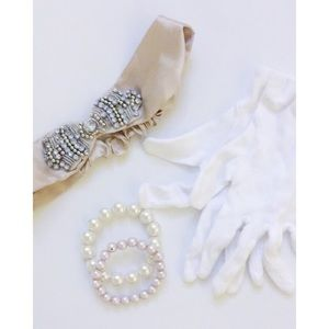 Forever 21 Dresses & Skirts - Flapper Costume Accessories & Dress🎀