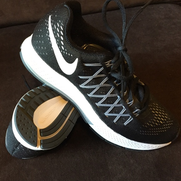bcad5916dc2d New Nike air zoom Pegasus 32 size 6 36.5 Eur black