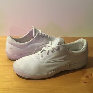 Grasshoppers Shoes - Women's Size 11M GRASSHOPPER canvas white shoes.👟