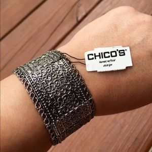 🎀SOLD LOCALLY🎀Chico's bracelet