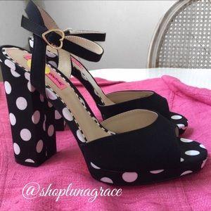 Betsey Johnson Shoes - 👠HP👠 Betsey Polka Dot Platform Sandals