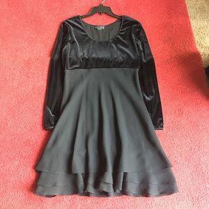 Vintage velvet Ruffles dress
