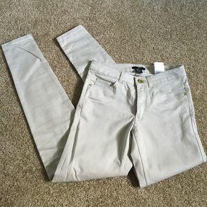 NWOT H&M Khaki Skinny Jeans Sz 6 - Run Small!
