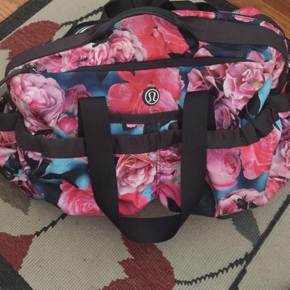 5b0857481c5 lululemon athletica Handbags - Selling ISO Lululemon secret garden bag