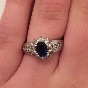 Zele Jewelry - a real blue dimond ring with real dimonds arond it