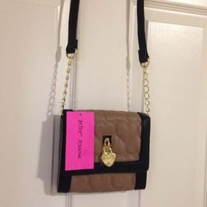 1 HR SALE❗️NWT Betsey Johnson Adorable Purse!