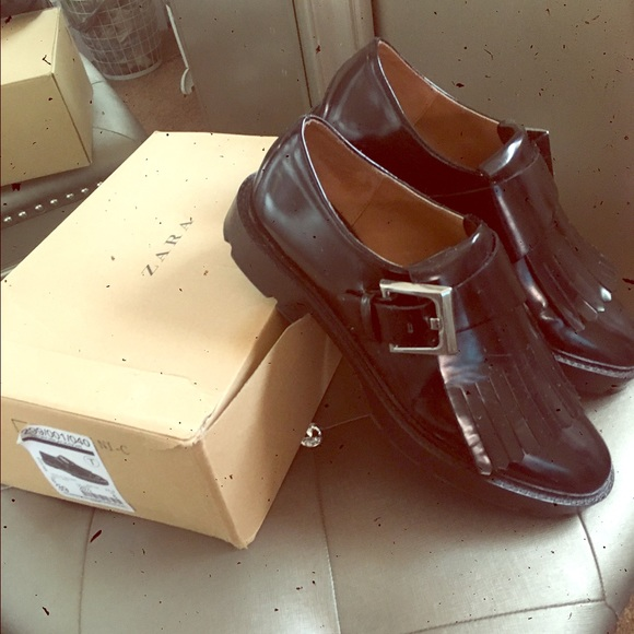 d50e4bda174 Zara trafaluc loafers w  fringe and buckle. M 577ed8183c6f9f8884003285