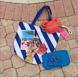 Lancome Handbags - Lancôme Tote Bag with Travel Case✈️🏖🌟