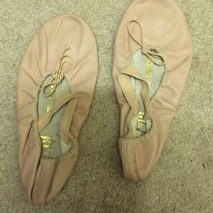 Shoes - Used pink ballet slippers. Size unknown.? 3c
