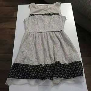 LC Lauren Conrad Dresses & Skirts - LC Lauren Conrad Lace Overlay Dress