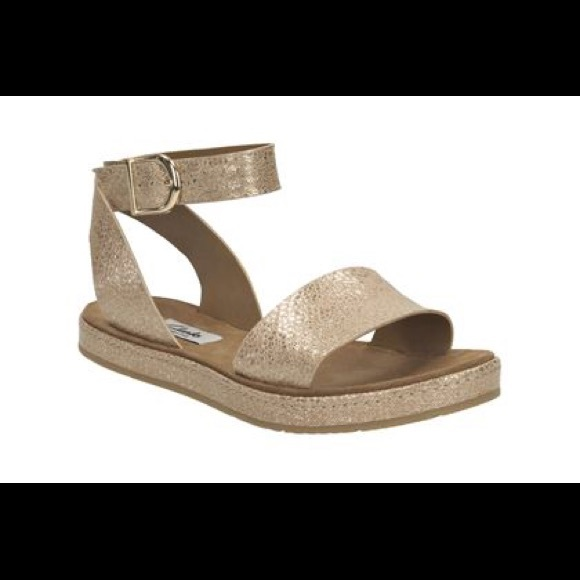 5d85c8ecd20b5 Clarks Shoes - CLARKS Romantic Moon sandals in Champagne Metallic