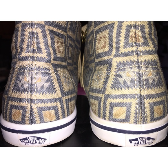 07341f3d24 Vans Shoes - ⚡️️25% off bundles⚡️Vans 👟 Tan   blue Aztec Print